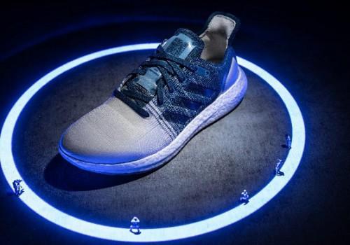 阿迪达斯第二代[FUTURECRAFT.LOOP]可循环跑鞋载誉归来
